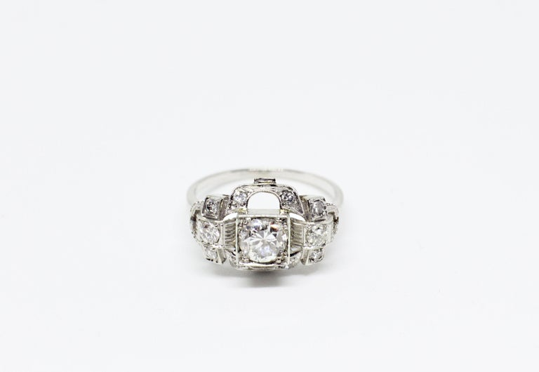 0.80 Carat Old Cut Diamond Art Deco Platinum Engagement Ring, circa 1930s In Good Condition For Sale In London, GB