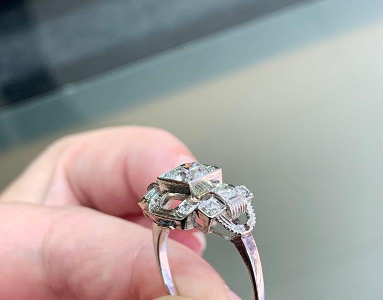 0.80 Carat Old Cut Diamond Art Deco Platinum Engagement Ring, circa 1930s For Sale 1