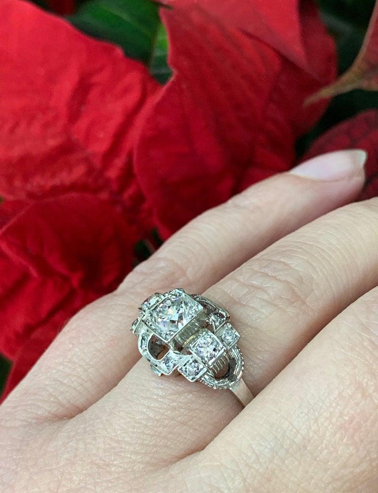 0.80 Carat Old Cut Diamond Art Deco Platinum Engagement Ring, circa 1930s For Sale 3