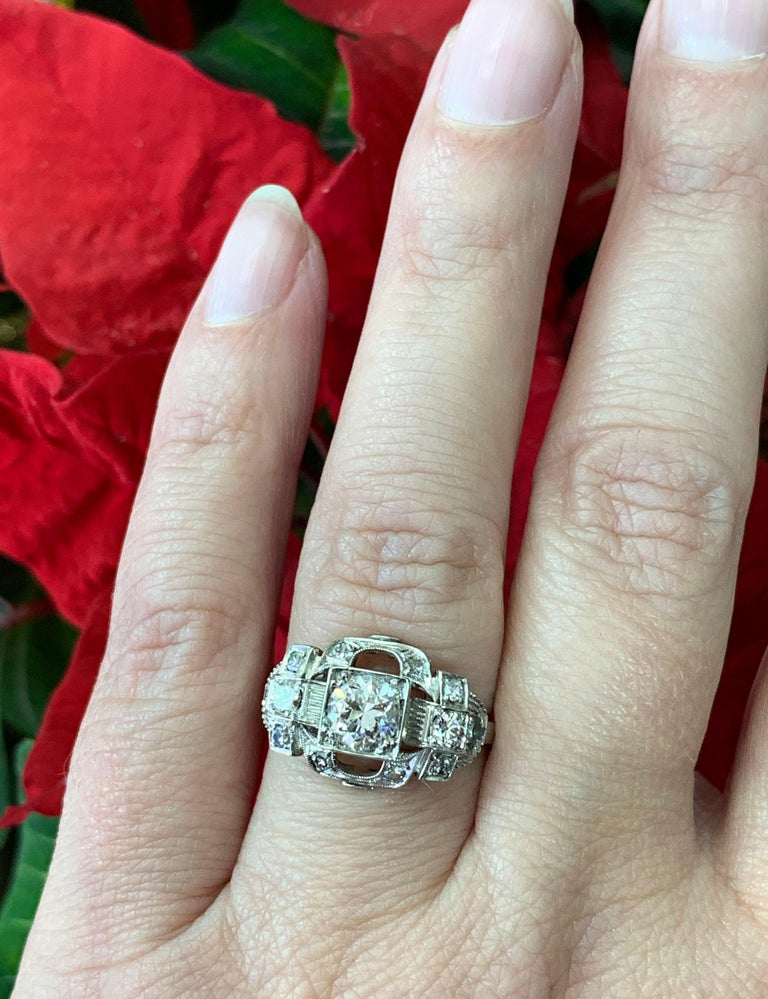 0.80 Carat Old Cut Diamond Art Deco Platinum Engagement Ring, circa 1930s For Sale 4
