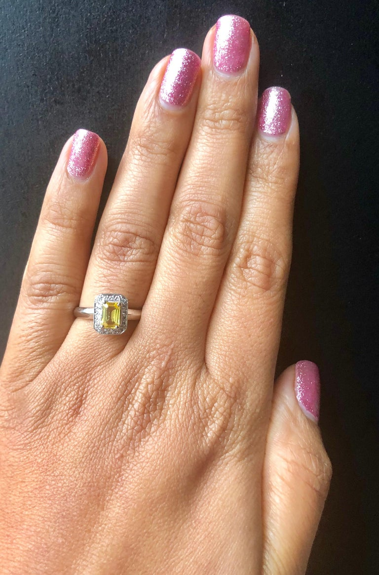 0.80 Carat Yellow Sapphire and Diamond 14 Karat White Gold Ring In New Condition For Sale In Los Angeles, CA