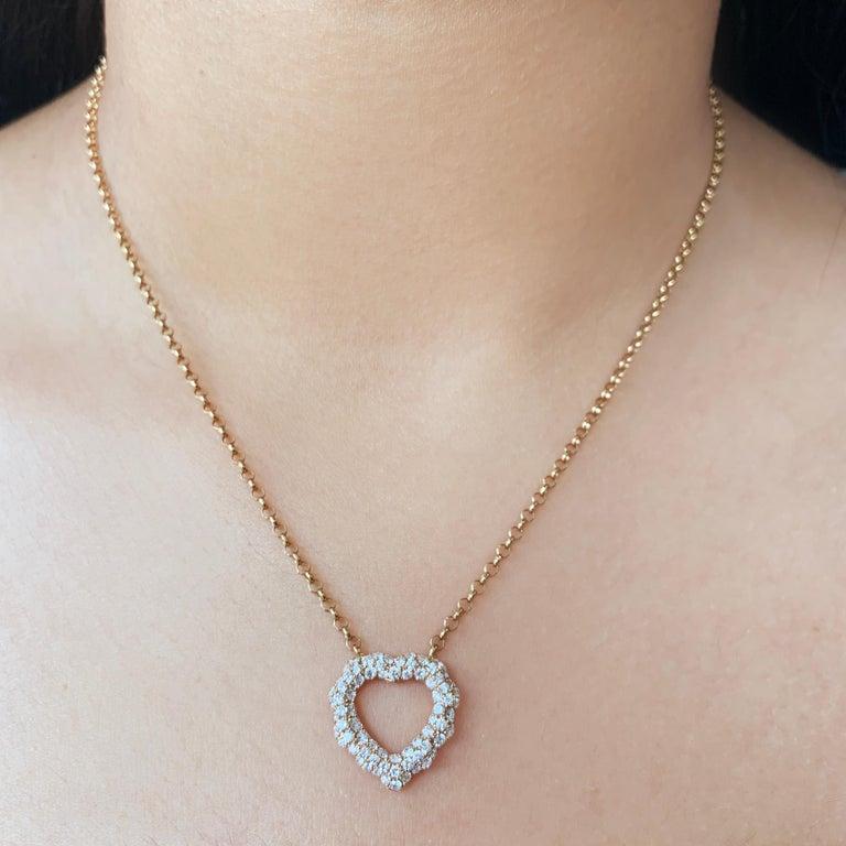 Contemporary 0.87 Carat Diamond 18 Karat Rose Gold Heart Shape Pendant Necklace For Sale