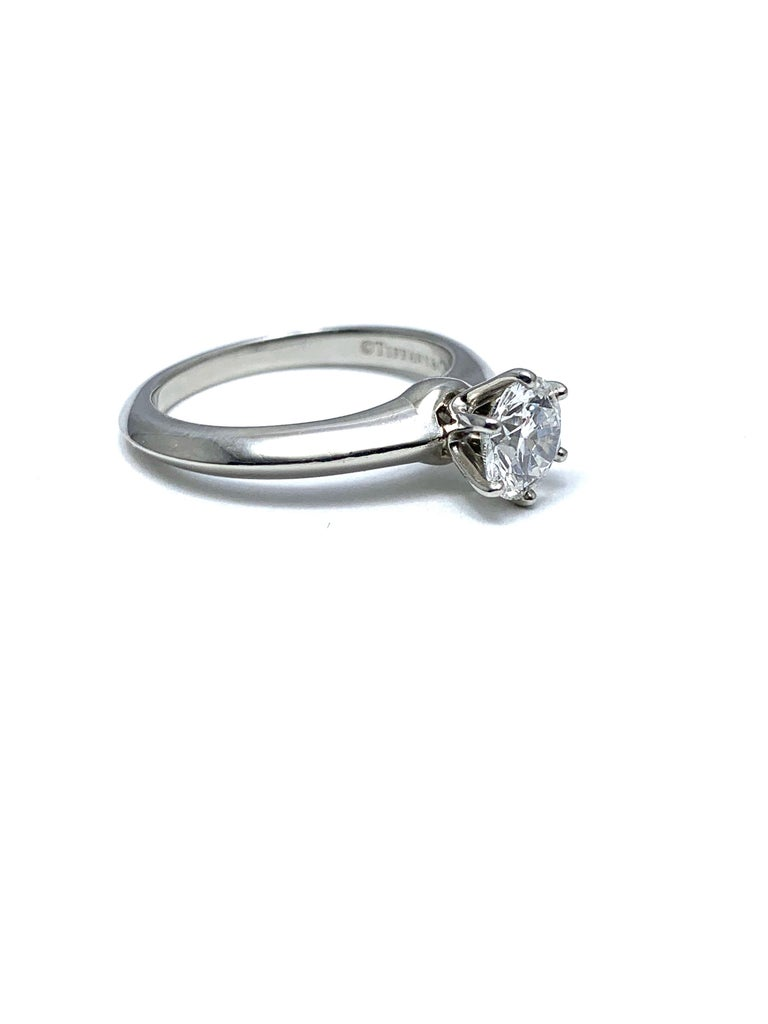 0.89 Carat Tiffany & Co.  Round Brilliant Diamond Platinum Solitaire Ring For Sale 4