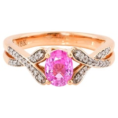 0.9 Carat Pink Sapphire Ring in 18 Karat Rose Gold with Diamonds