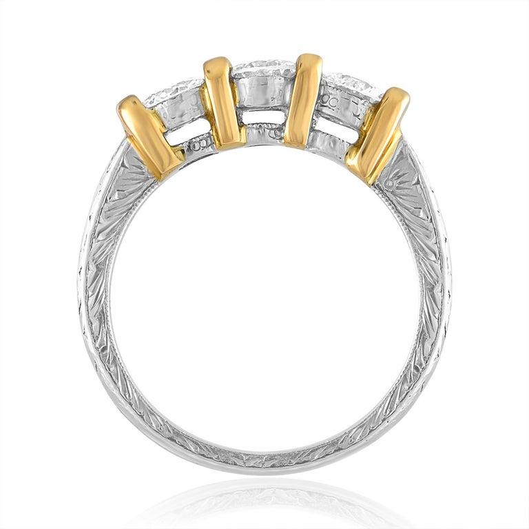 Contemporary 0.90 Carat Diamond Carved Filigree Design Three-Stone Gold Ring For Sale