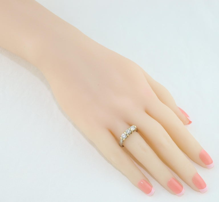 Round Cut 0.90 Carat Diamond Carved Filigree Design Three-Stone Gold Ring For Sale