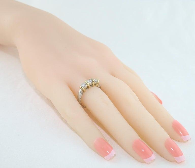 0.90 Carat Diamond Carved Filigree Design Three-Stone Gold Ring For Sale 1