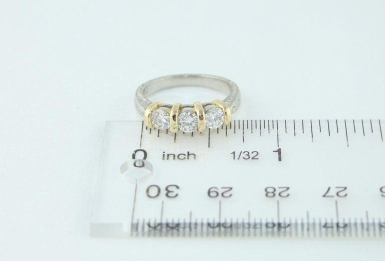 0.90 Carat Diamond Carved Filigree Design Three-Stone Gold Ring For Sale 3