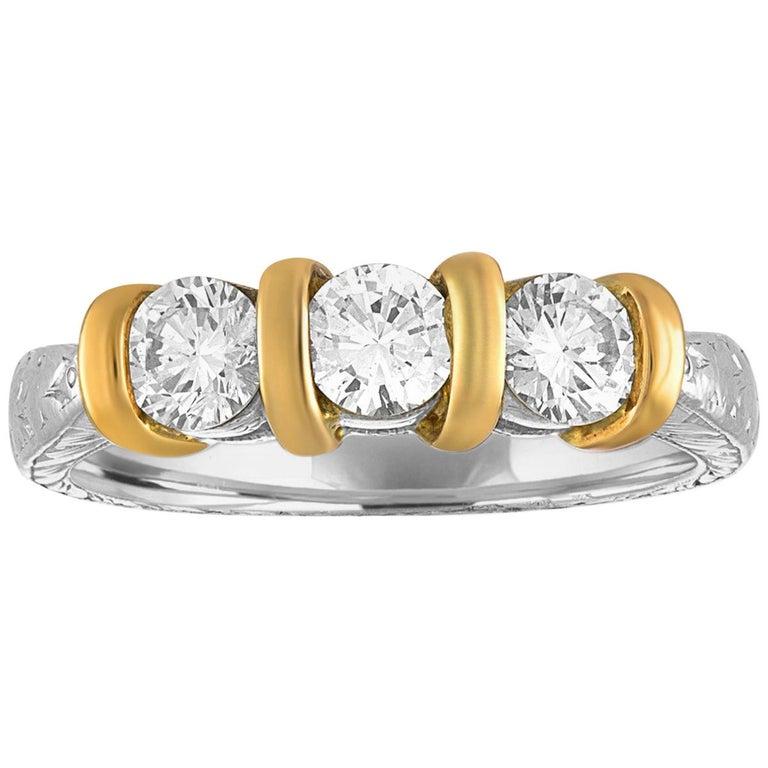 0.90 Carat Diamond Carved Filigree Design Three-Stone Gold Ring For Sale