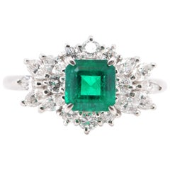 0.90 Carat Vivid Green Colombian Emerald Ring Set in Platinum