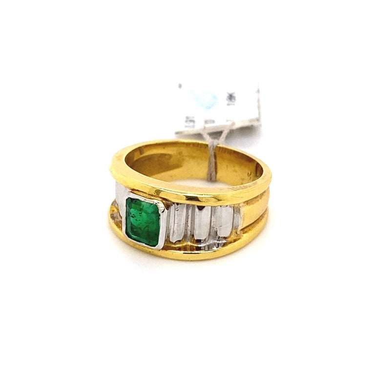0.91 Carat Emerald Cut Emerald 18k Yellow & White Gold Ring In New Condition For Sale In BEVERLY HILLS, CA