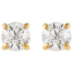 0.92 Carat Diamond Stud Earrings Yellow Gold