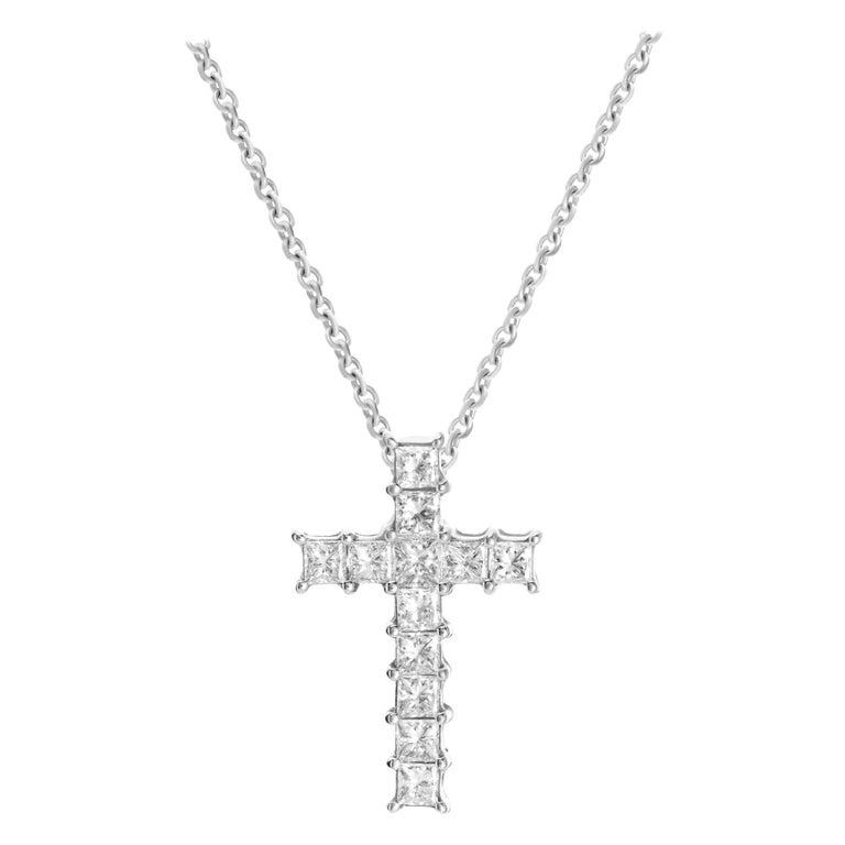 0.92 Carat Princess Cut Diamond 18 Karat White Gold Cross Pendant Necklace For Sale
