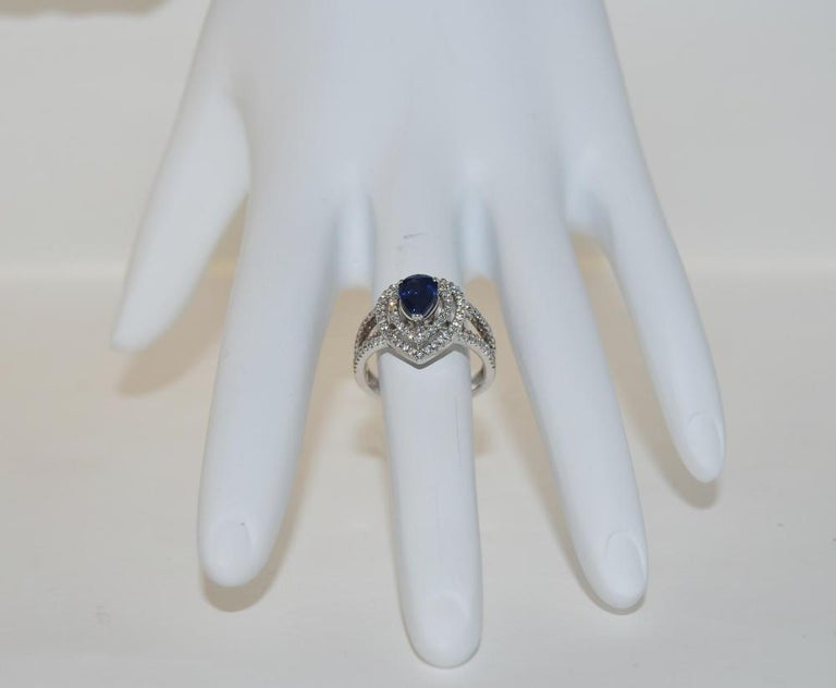 Pear Cut 0.92 Carat Sapphire and Diamond Ring in 14 Karat Gold For Sale