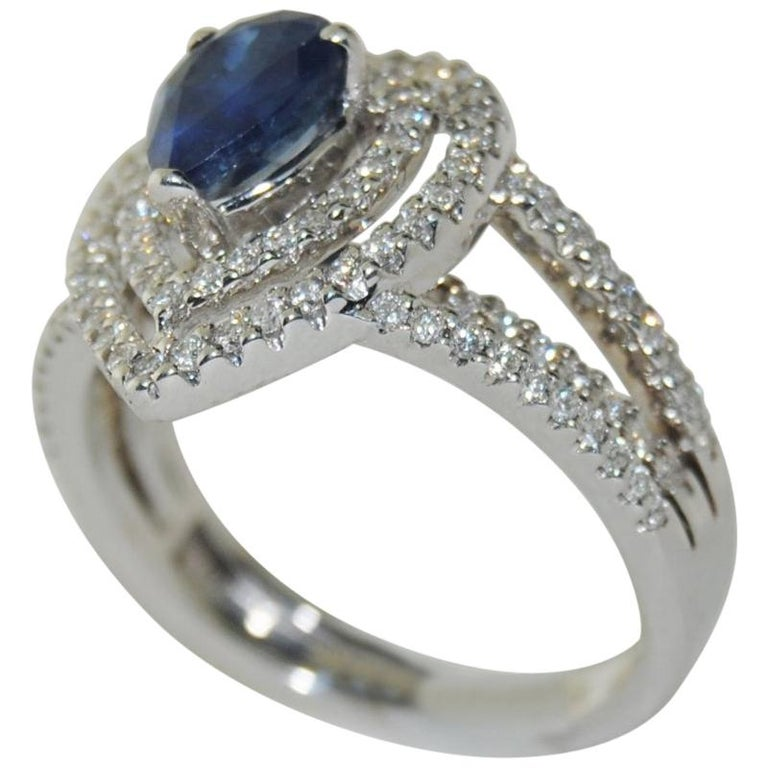 0.92 Carat Sapphire and Diamond Ring in 14 Karat Gold For Sale