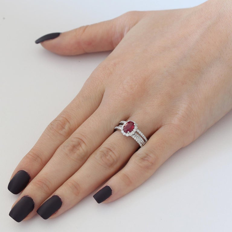 0.95 Carat Ruby and Diamond White Gold Cocktail Ring In New Condition For Sale In New York, NY