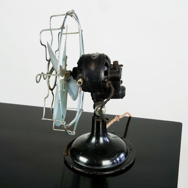 Italian 0riginal Vintage Industrial Art Deco Table Fan by Marelli Italy For Sale