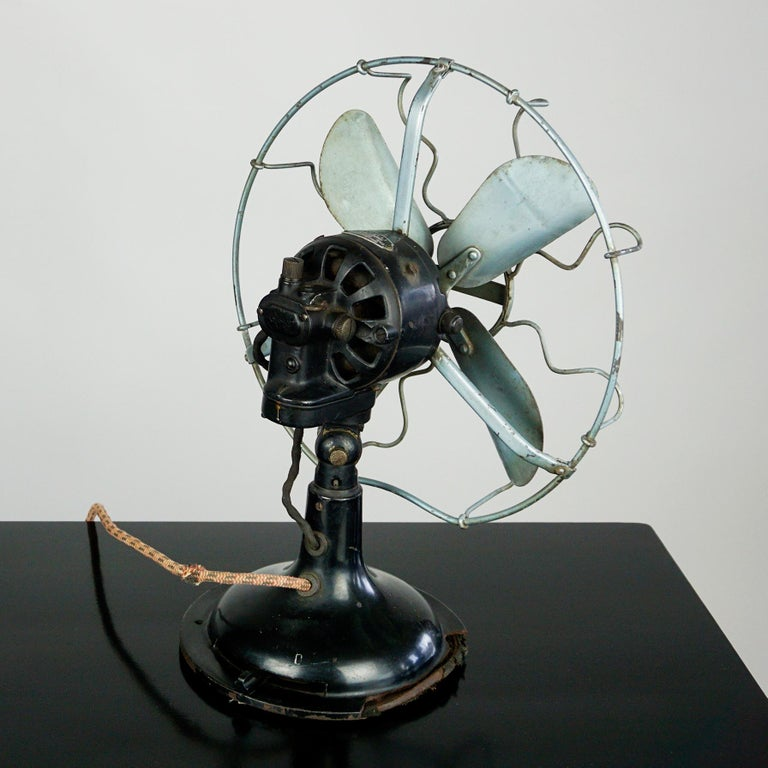 Mid-20th Century 0riginal Vintage Industrial Art Deco Table Fan by Marelli Italy For Sale