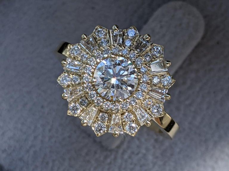Round Cut 1 1/2 Carat 14 Karat Yellow Gold Vintage Round Diamond Ring, Gatsby Halo Ring For Sale