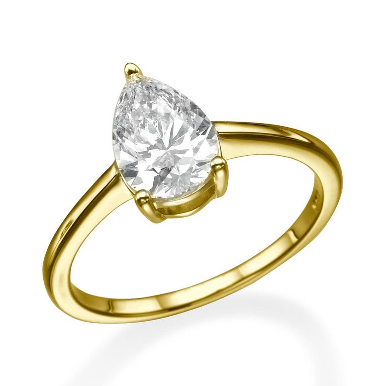 Pear Cut 1 1/2 Carat Pear Shape Diamond Ring, 18 Karat Yellow Gold Solitaire Ring For Sale