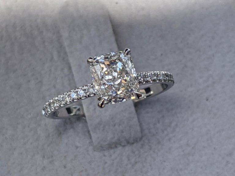 Art Deco 1 2/3 Carat 14 Karat White Gold Cushion Diamond Engagement Ring For Sale