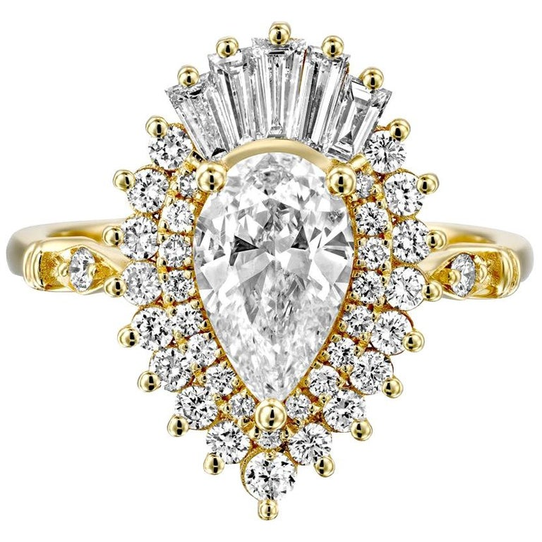 1 3/4 14 Karat Yellow Gold Pear Diamond Ring, Vintage Ballerina Engagement Ring For Sale