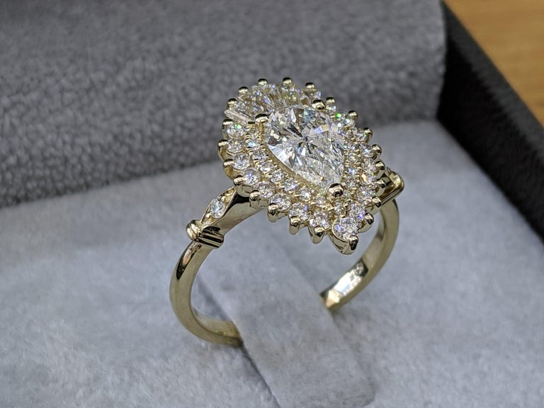 Pear Cut 1 3/4 14 Karat Yellow Gold Pear Diamond Ring, Vintage Ballerina Engagement Ring For Sale