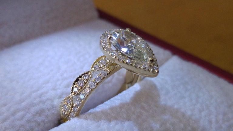 Art Deco 1 3/4 Carat Yellow Gold Pear Diamond Engagement Ring Set, Diamond Rings Set For Sale