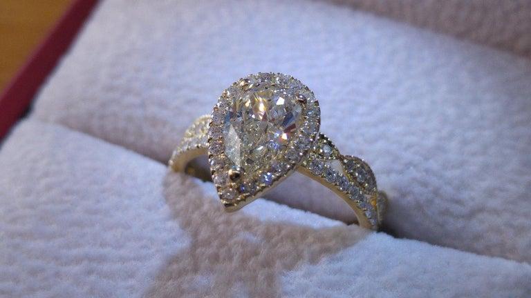 Pear Cut 1 3/4 Carat Yellow Gold Pear Diamond Engagement Ring Set, Diamond Rings Set For Sale