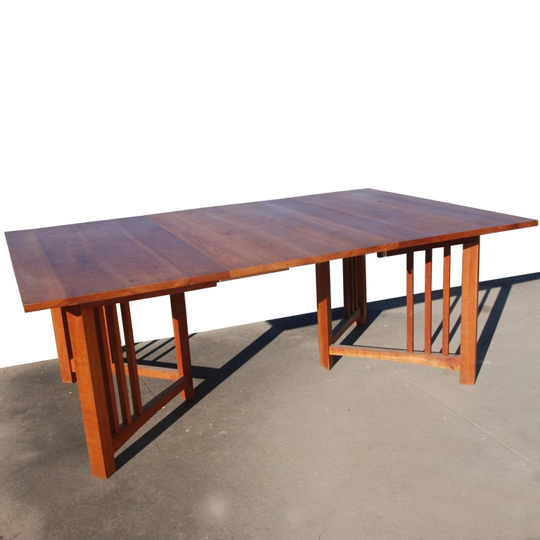 Extension Mission Arts and Crafts Trestle Table In Good Condition For Sale In Pasadena, TX
