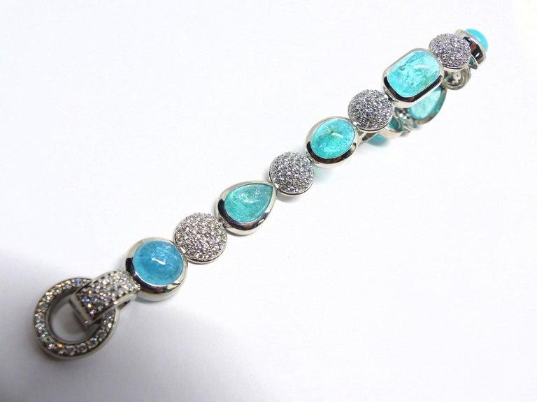 7 Paraiba Tourmaline Cabochons and Diamond Platinum Bracelet In New Condition For Sale In Idar-Oberstein, DE
