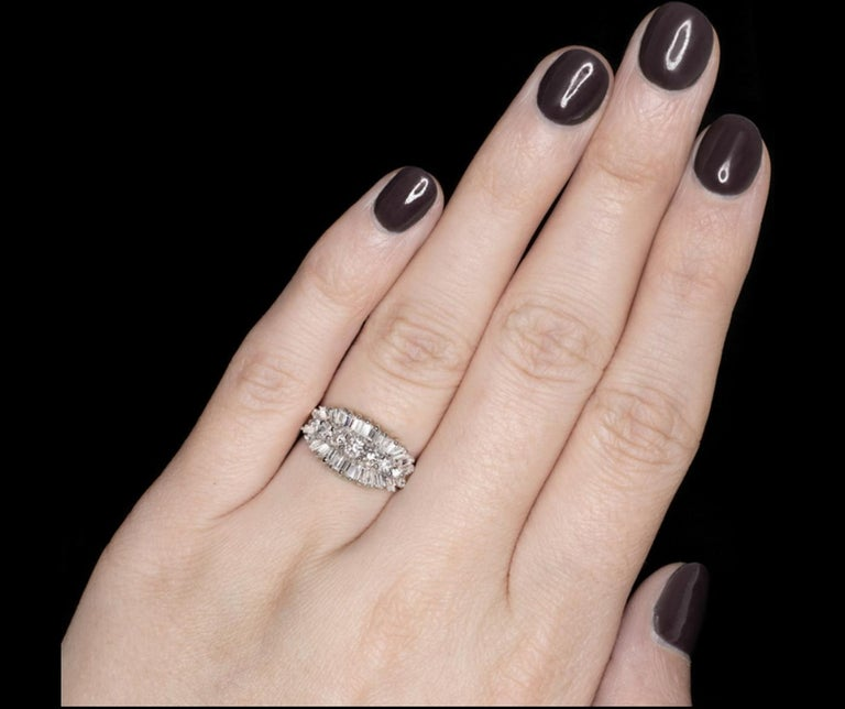 Modern 1 Carat E/F Round Baguette Diamond Band Ring For Sale