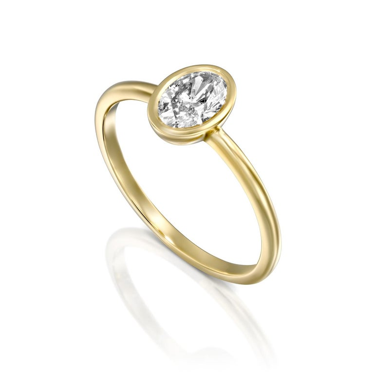 1 Carat GIA Diamond Engagement Ring, Solitaire Oval Bezel 18 Karat Gold Ring In New Condition For Sale In New York, NY