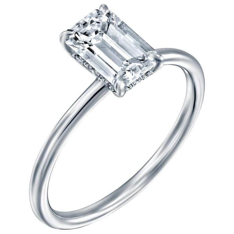 1 Carat GIA Diamond Ring, Solitaire Emerald Cut 18 Karat White Gold Ring For Sale