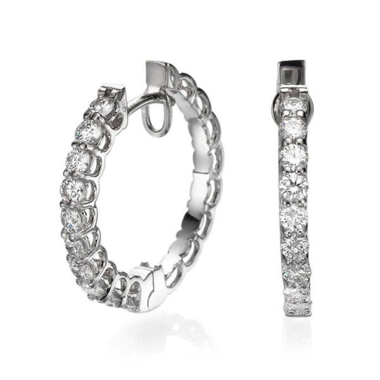 Round Cut 1 Carat Huggie Round Diamond Earrings, 18 Karat Gold Hoop Earrings For Sale