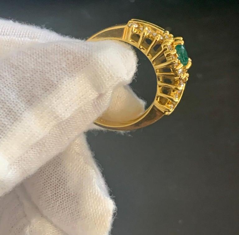 1 Carat Oval Cut Emerald and 1.0 Carat Diamond Ring 18 Karat Yellow Gold For Sale 4
