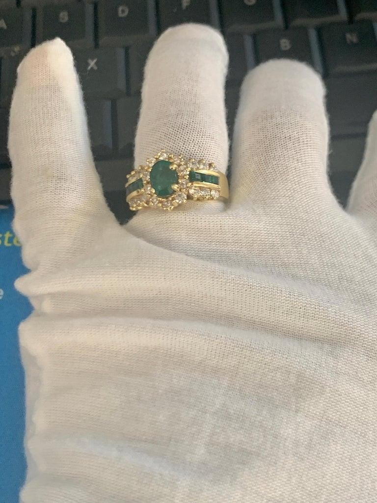 1 Carat Oval Cut Emerald and 1.0 Carat Diamond Ring 18 Karat Yellow Gold For Sale 5