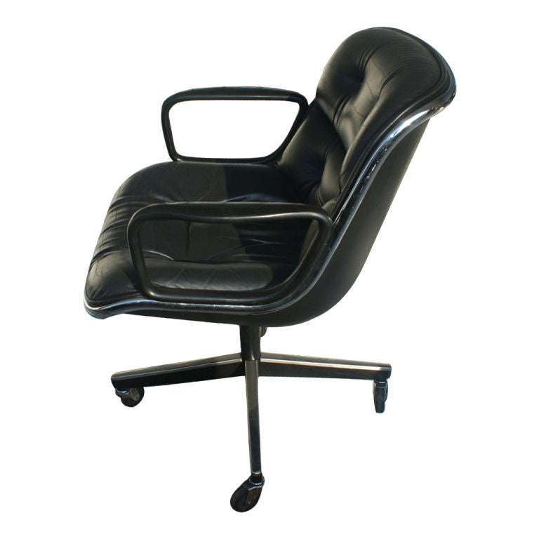 1 Charles Pollock for Knoll Black Leather Armchair In Good Condition For Sale In Pasadena, TX