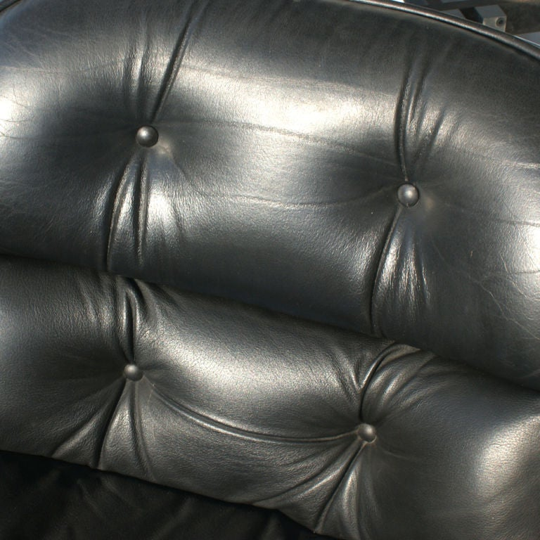 1 Charles Pollock for Knoll Black Leather Armchair For Sale 1