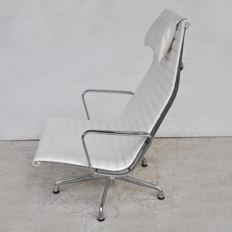 American '1' Herman Miller Eames Aluminum Group Lounge Chair For Sale
