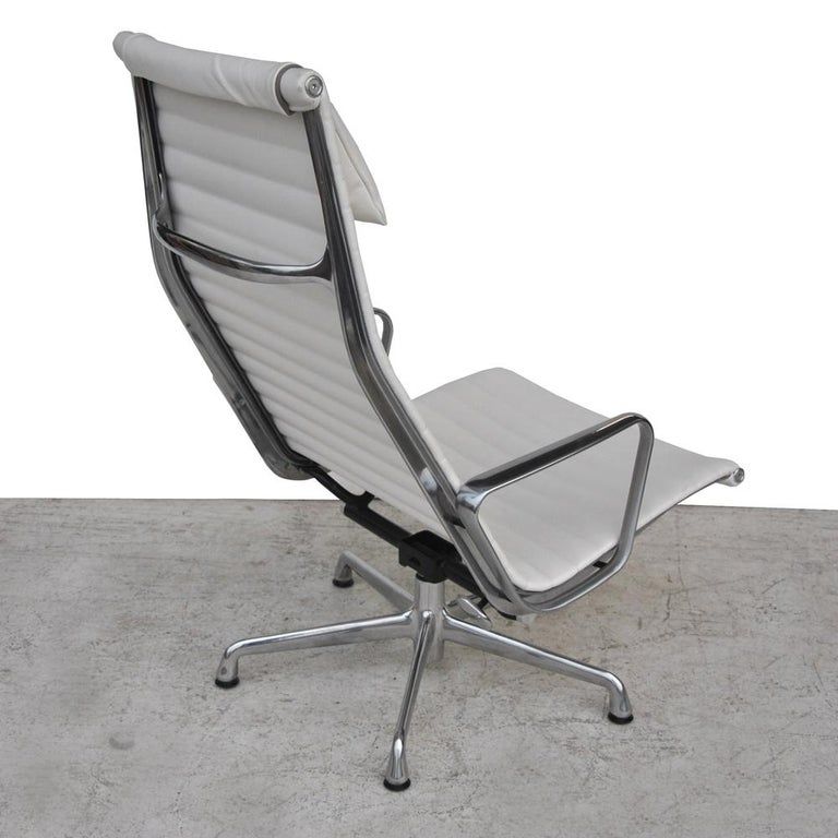 Chrome '1' Herman Miller Eames Aluminum Group Lounge Chair For Sale