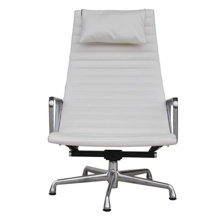 '1' Herman Miller Eames Aluminum Group Lounge Chair For Sale 1