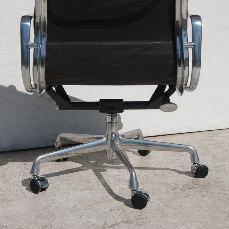 American 1 Herman Miller Eames Executive Soft Pad Chair with Five Star Base