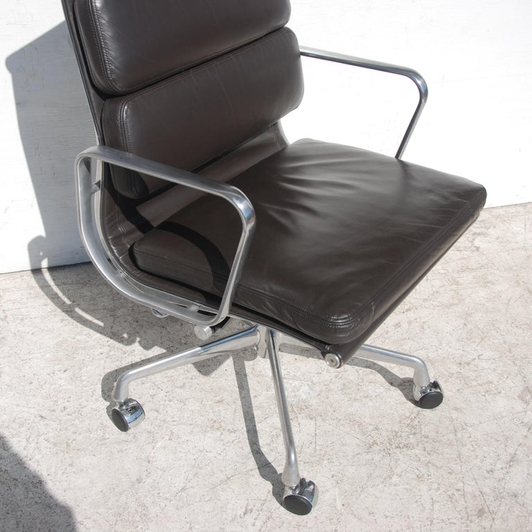 20th Century 1 Herman Miller Eames Executive Soft Pad Chair with Five Star Base
