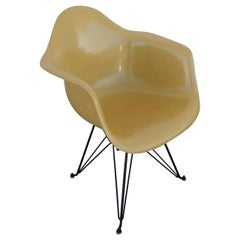 1 Herman Miller Eames Fiberglass Shell DAR Eiffel Base