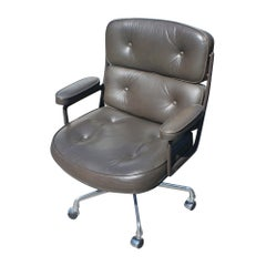 1 Herman Miller Time Life Office Executive Leather Chair 5-Star Base