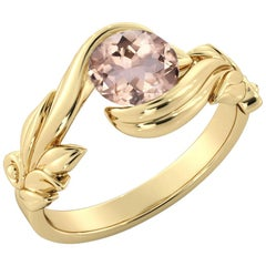 1 Karat 14 Karat Yellow Gold Morganite Round Engagement Ring
