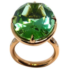 1 Magnificent Green Tourmaline Set in 18 Karat Rose Gold Ring with Diamonds