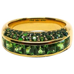 1 Magnificent Ring in 18 Karat Rose Hold with Tsavorites