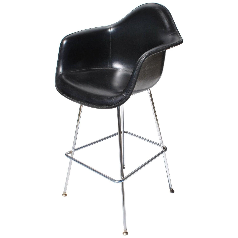 21 Mid Century Eames Herman Miller Fiberglass Arm Shell Chair ...